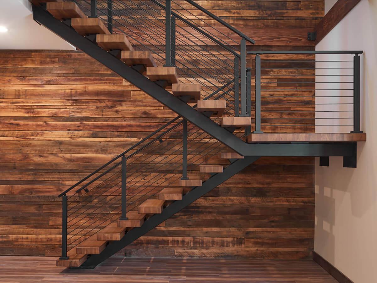 Варіанти обшивки металевих сходів