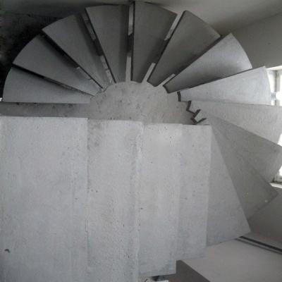 Круговые бетонные лестницы в квартире