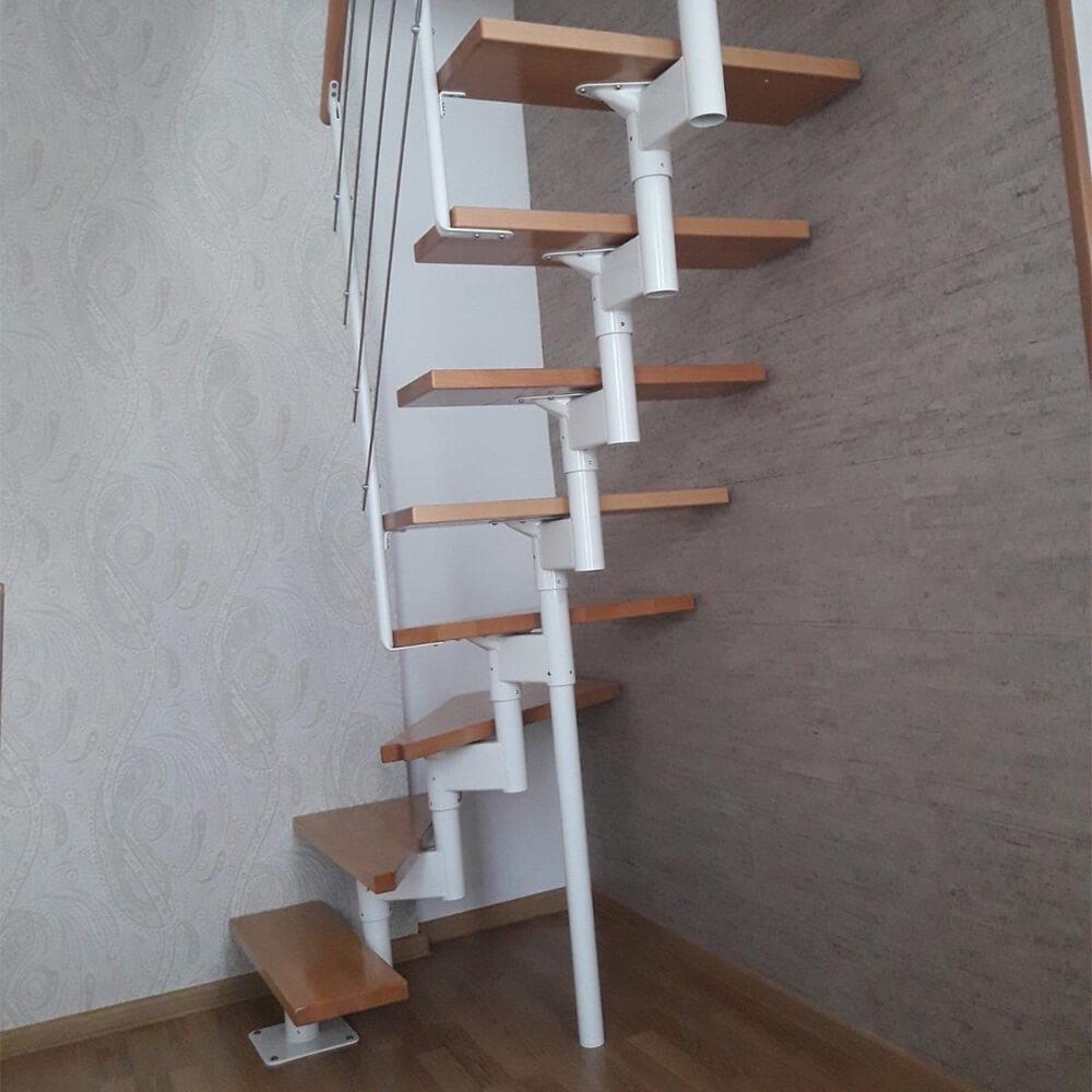 Фото Лестницы с поворотом и забежными ступенями DOLLE Boston