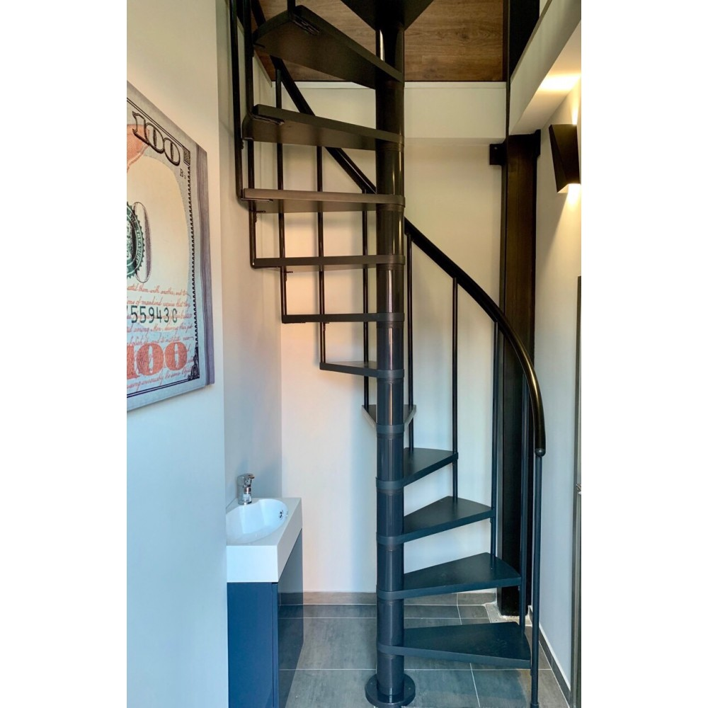 Готовая лестница DOLLE Calgary в квартире