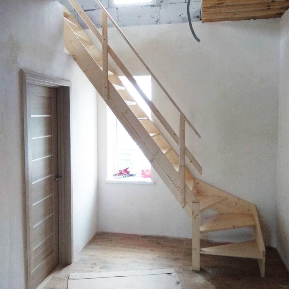 Фото Готовые лестницы с поворотом DOLLE Normandie