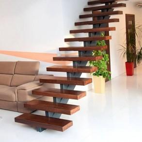 Металокаркасні сходи
