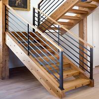 фото Лестница из металла и дерева