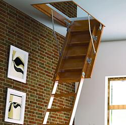 Фото Складні сходи на мансарду