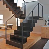 фото Металеві сходи