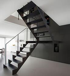 фото Лестница лофт из металла