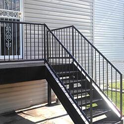 Фото Наружная лестница из металла